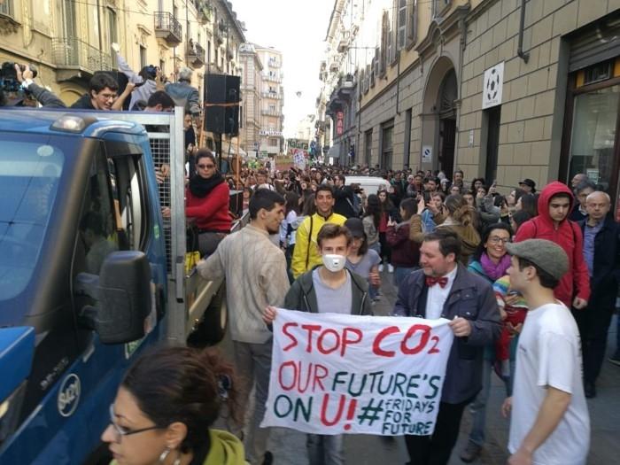 sciopero per il clima-torino (14)