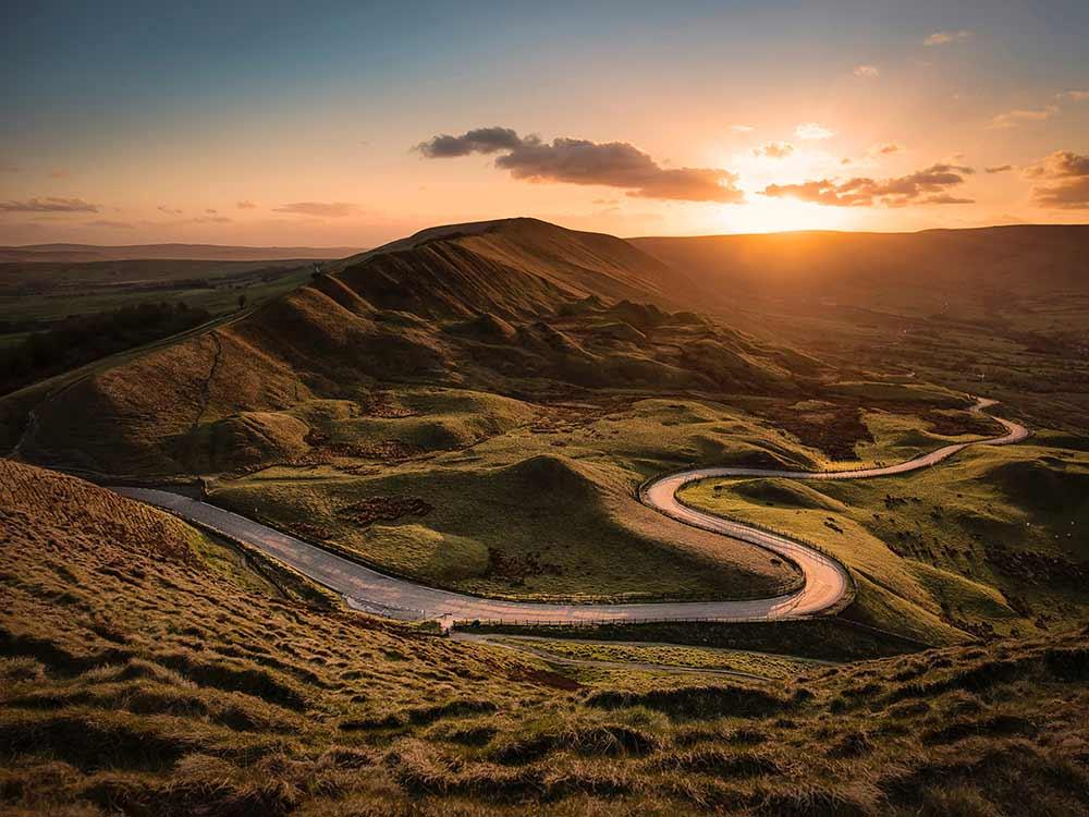 Strada di montagna con curve