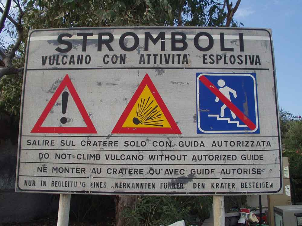 Stromboli, cartello di sicurezza