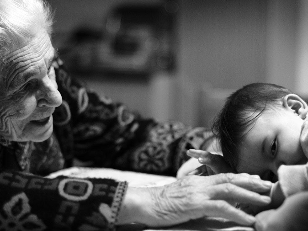 Nonna con neonato