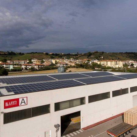 Stabilimento A con installazione di fotovoltaico